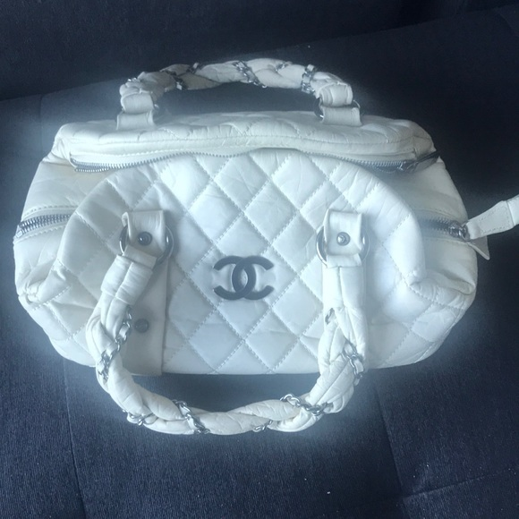 CHANEL Handbags - Chanel off white quilted leather bag
